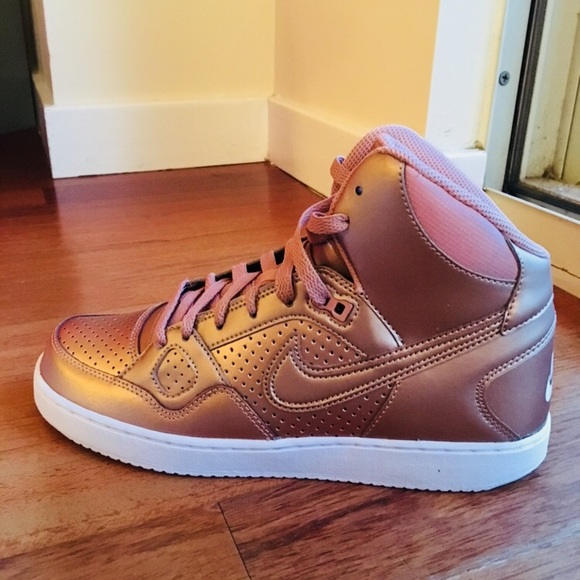 best authentic d0ffe a1853 NEW - Women s Nike Son of Force Mid - ROSE GOLD